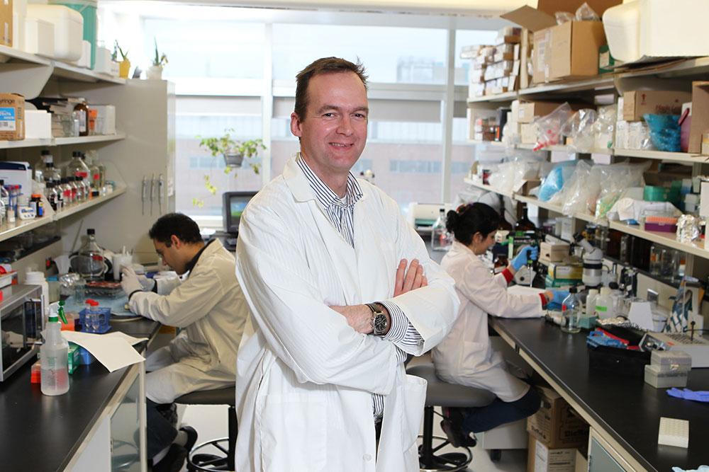 Médecin dans un laboratoire